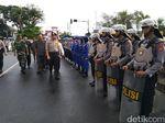 Ribuan Aparat Gelar Apel Siap Amankan Pileg dan Pilpres di Jabar
