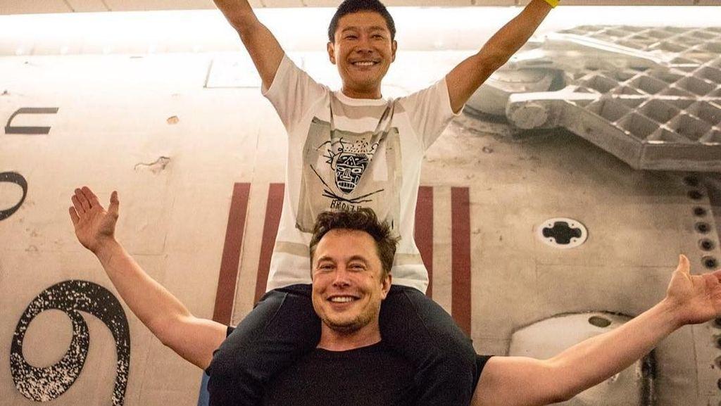 Miliarder Jepang Mau Ajak 8 Orang Pergi ke Bulan Naik Roket SpaceX