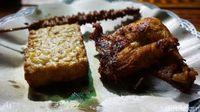 Ayam Goreng Kabayan : Gurih Ayam Goreng dan Sayur Asem Gaya Sunda