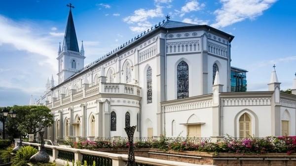 Inilah Chijmes, bangunan yang dulunya sebuah Kapel dan sekolah Katolik yang ada di 30 Victoria Street, Singapura (Visit Singapore)