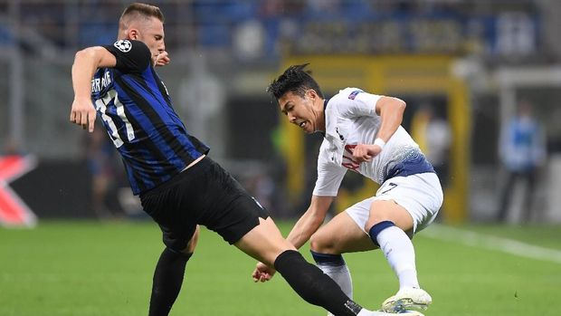 Inter dan Tottenham bersaing memperebutkan tiket terakhir ke babak gugur dari Grup B.