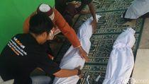 Jasad Mak Anih Penghafal Alquran Tetap Utuh Saat Makamnya Dibongkar