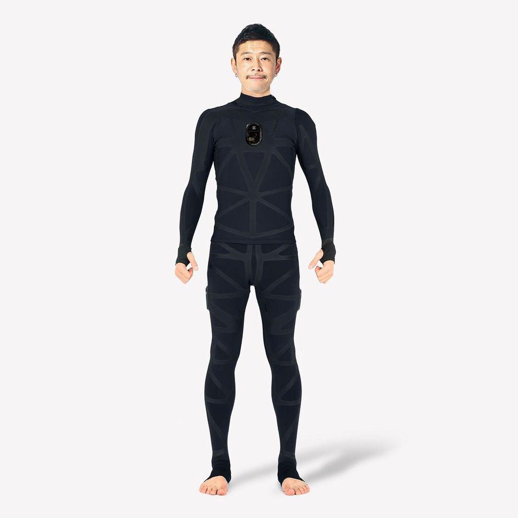 Pria bertubuh kurus ini adalah Yusaku Maezawa, yang diproyeksikan bakal ke Bulan pada 2023. Foto: Instagram/yusaku2020