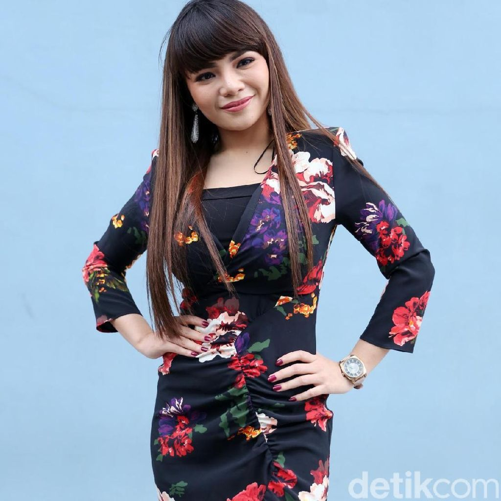 Endorse Judi Online Bawa Musibah, Dinar Candy: Banyak Utang Belum Dibayar