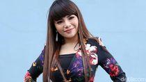 Dinar Candy Kerap Berpakaian Seksi, Murid Ngaji Bapaknya Makin Dikit