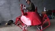 Kreatif! Petani Asal China Ini Buat Kendaraan Bentuk Kepiting