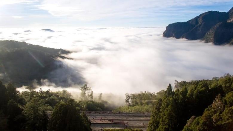 Foto: Alishan Forest Railway, jalur kereta di atas awan Taiwan (Lai Guo-hua/CNN Travel)
