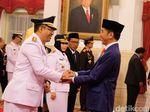 Kepala Daerah Beramai-ramai Dukung Jokowi, Gerindra Tetap Optimis