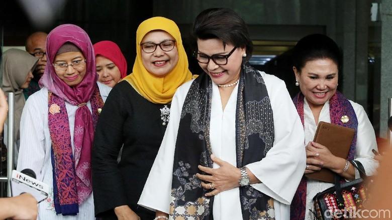 Momen Istri Menteri-menteri Jokowi Bertemu Pimpinan KPK