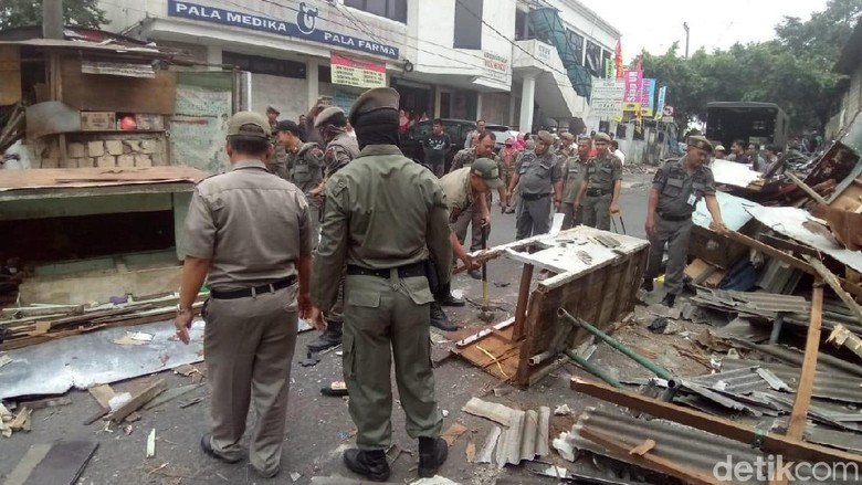 Pasar Depok Jaya Semrawut, Satpol PP Tertibkan 56 PKL