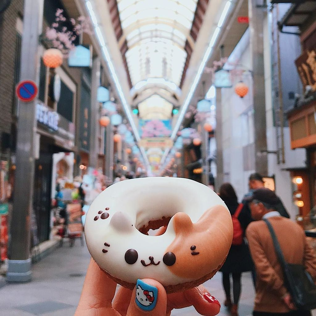 Sosok Instagramer ini adalah Melissa Hie, yang sejak 2009 berdomisili di Singapura. Foto: instagram.com/girleatworld/