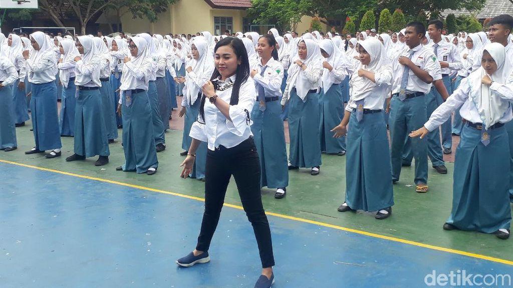 Senam Goyang Dayung Digandrungi Pelajar di Tuban
