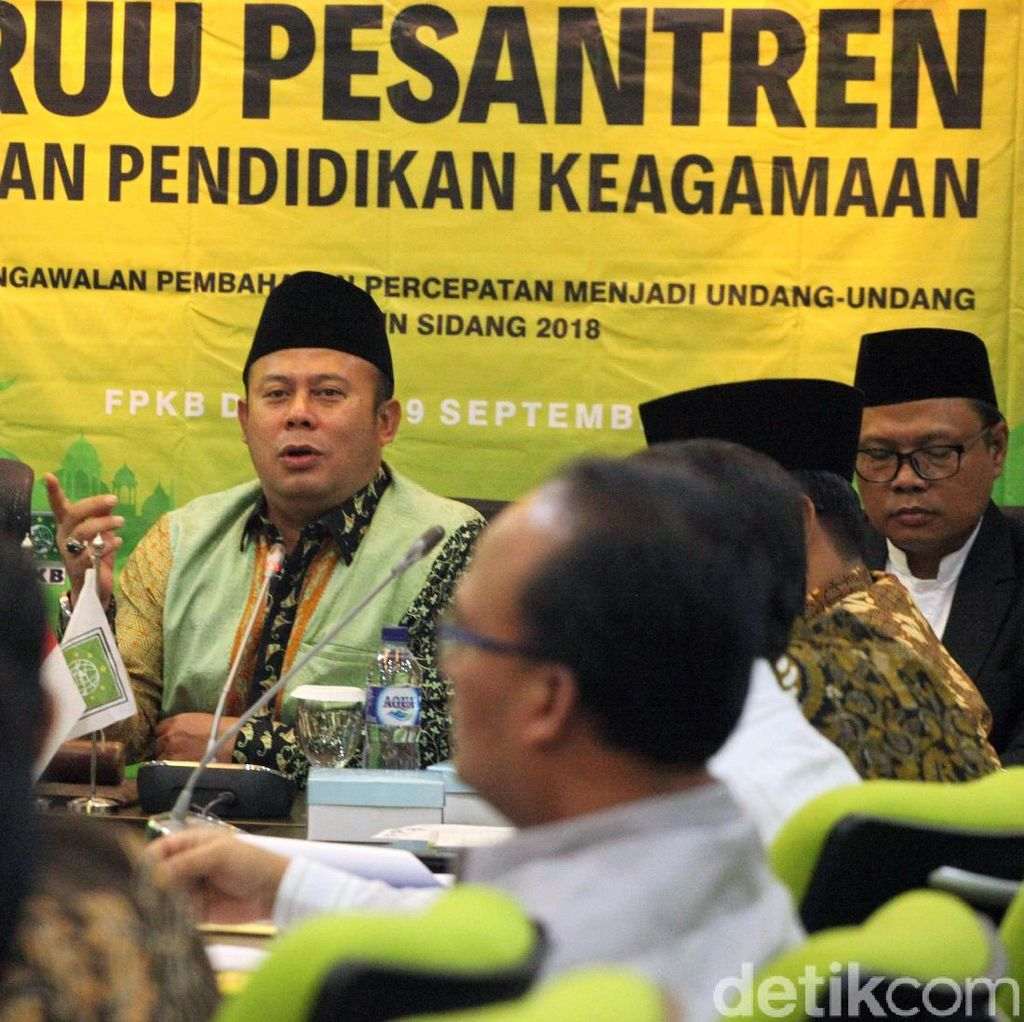 Diskusi Publik RUU Pesantren dan Pendidikan Agama