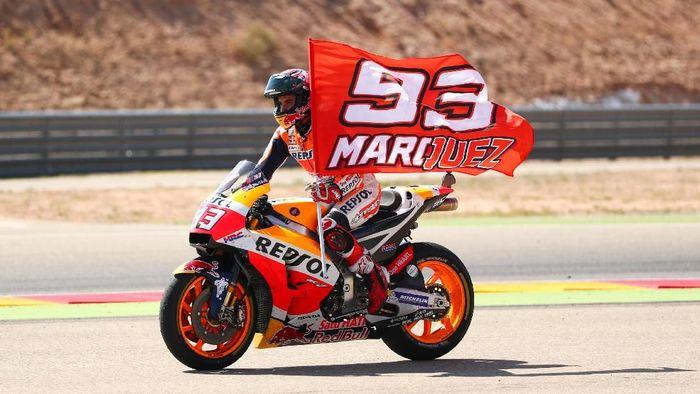 Marc Marquez kian mengukuhkan posisinya di klasemen pebalap usai menjuarai MotoGP Aragon, Minggu (23/9). (Foto: Dan Istitene/Getty Images)