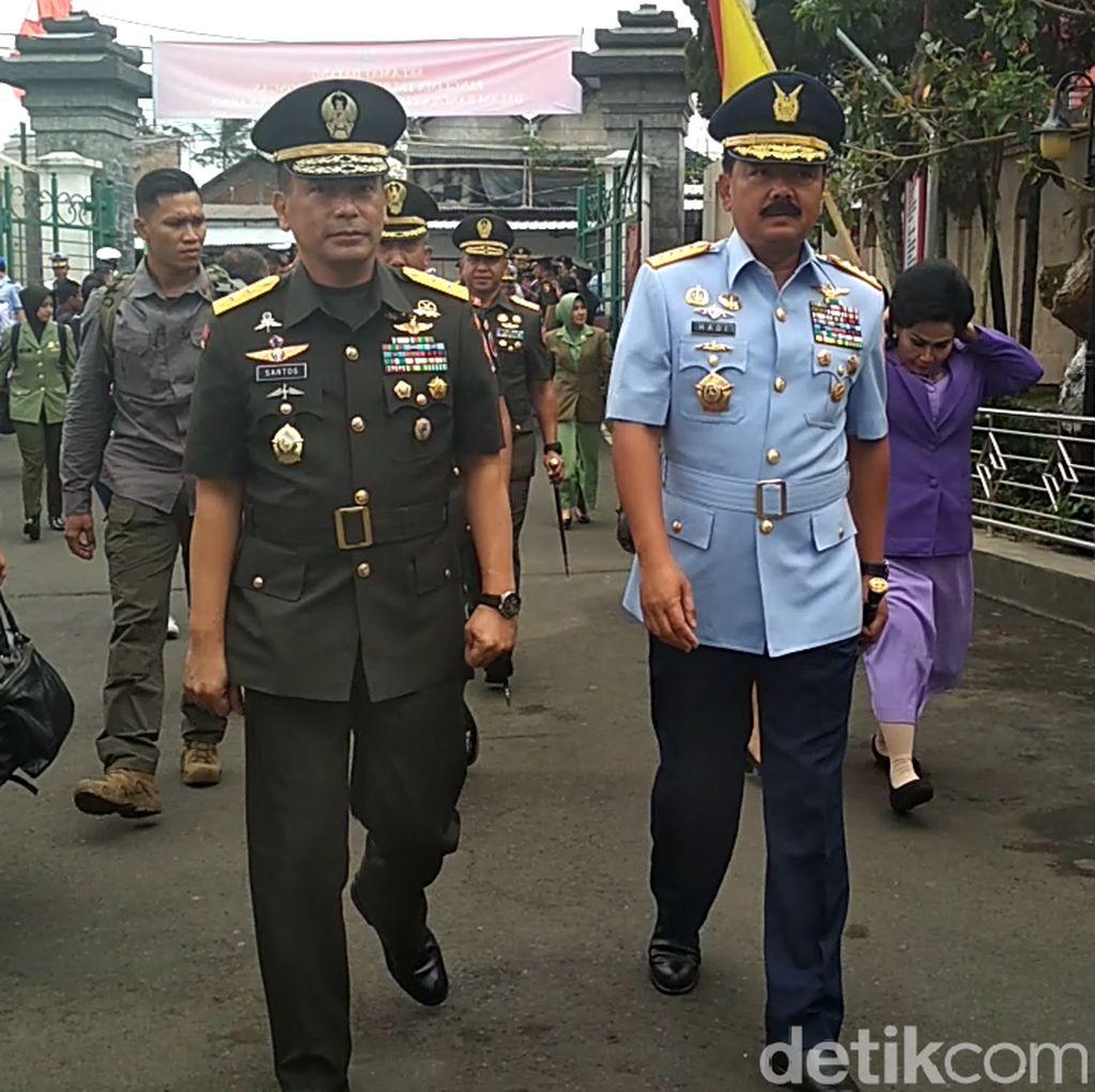 HUT TNI ke 73, Panglima TNI Ziarah ke Makam Bung Karno