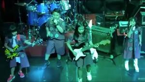 Bawakan Lagu Metallica, Anak-anak SD Ini Keren Banget!