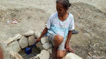 Menggali Dasar Sungai, Warga Boyolali Mencari Air yang Tersisa