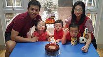 7 Foto Ini Buktikan Hendra Setiawan Sosok Family Man