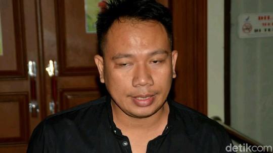Vicky Lelah Banget usai Resmi Gugat Cerai Angel Lelga