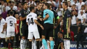 Wasit Felix Brych: 1 Kartu Merah untuk Ronaldo, 2 Penalti untuk Juventus