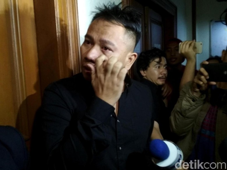 Sidang Cerai Vicky Prasetyo-Angel Lelga Digelar Lagi 1 November
