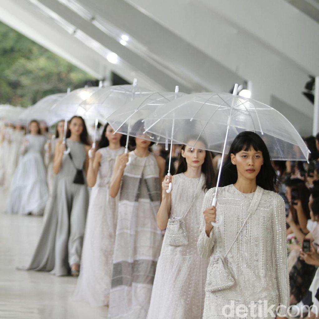 10 Tahun Berkarya, Sapto Djojokartiko Gelar Fashion Show di Istora Senayan