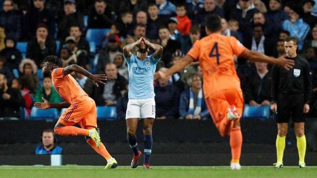 Manchester City Tumbang di Kandang
