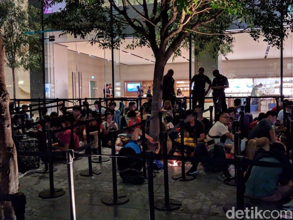 Jumlah pengantre lebih dari 500 orang. Foto: Adi Fida Rahman/detikinet