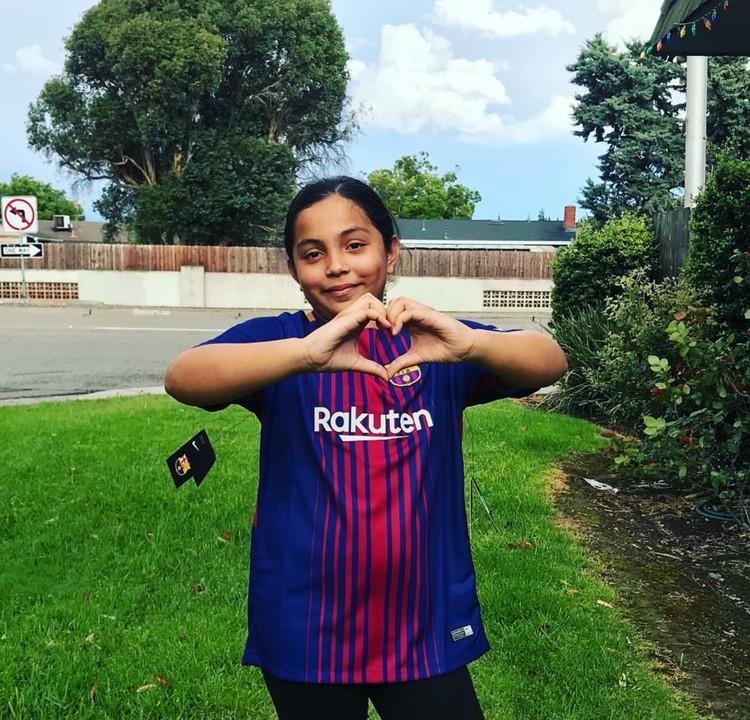 Tanda cinta dari si kecil yang ngefans berat pada klub yang akrab disebut Barca. (Foto: Instagram/gabysoccerlife)