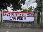 Satpol PP Segera Copot Spanduk Tolak Wagub DKI dari PKS