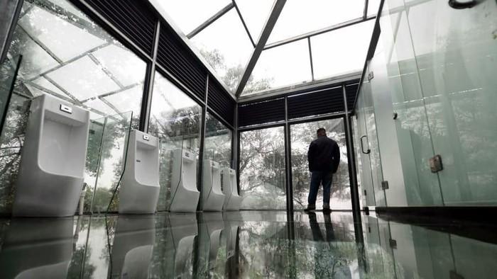 Menurut Xi toilet yang bersih dan modern penting karena mencerminkan keberadaban suatu bangsa. (Foto: CNN)