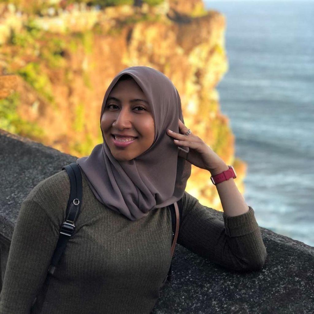 Liburannya Instruktur Fitnes Berhijab Malaysia di Bali