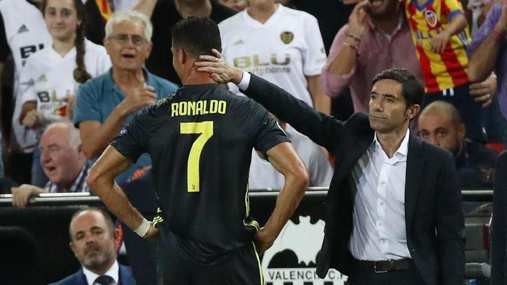 Pelatih Valencia Pertanyakan Kartu Merah Ronaldo