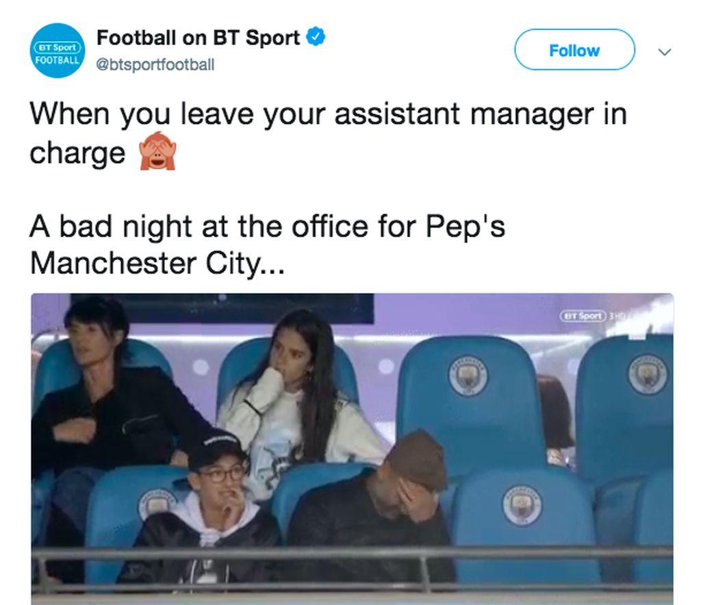 Guardiola yang duduk di bangku penonton karena sedang menjalani hukuman harus meratapi kekalahan City yang ditangani asistennya, Mikel Arteta. Foto: Twitter