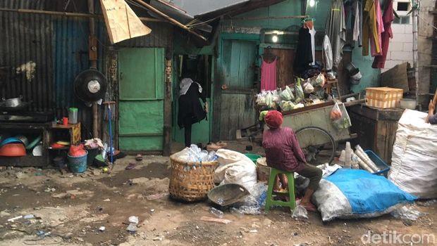 Rumah kontrakan Maskur di Jakarta Timur