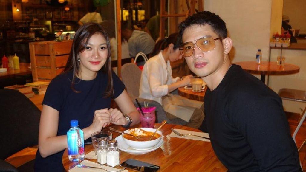 Gaya Kulineran Calon Istri Rezky Aditya hingga Burger Tempe di Kebun Modern