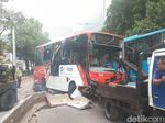 Minitrans Terguling di Jl Gatot Subroto, 4 Orang Terluka