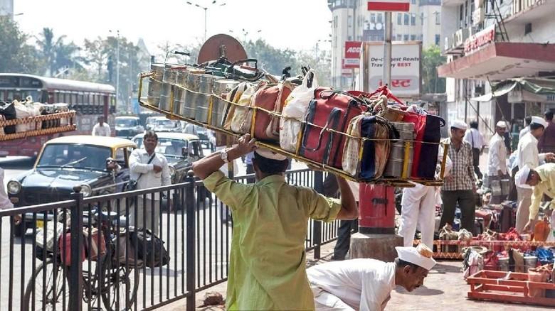Dabbawallah, kurir makanan di Mumbai, India (Paul Quayle/Alamy/BBC Travel)