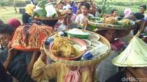 Ungkap Rasa Syukur, Petani Jepara Kirab 1.000 Ingkung Ayam