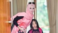 Angel Lelga Minta Maaf ke Anaknya Soal Penggerebekan Vicky