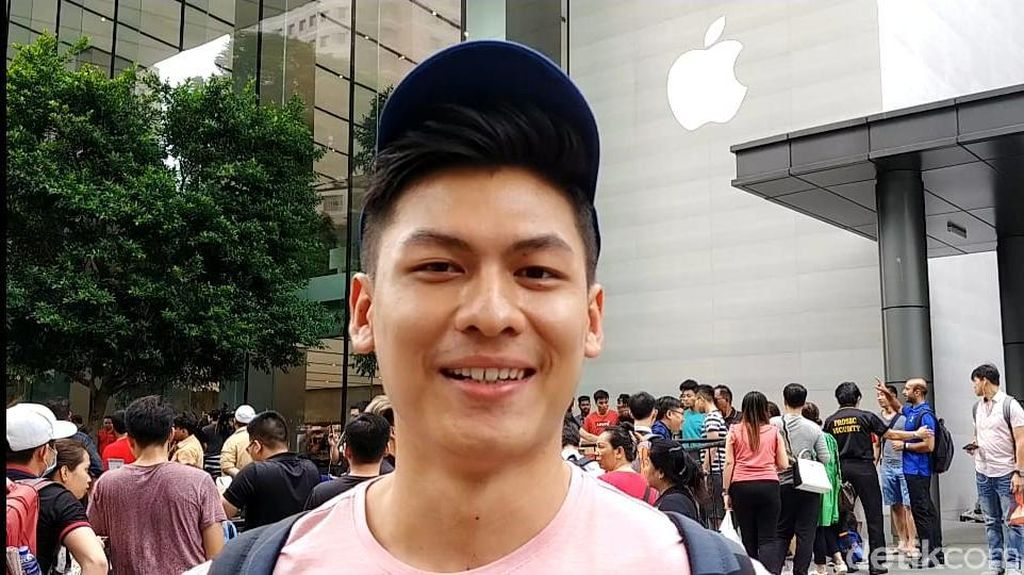 Perjuangan Arek Surabaya Demi iPhone XS Max Idaman