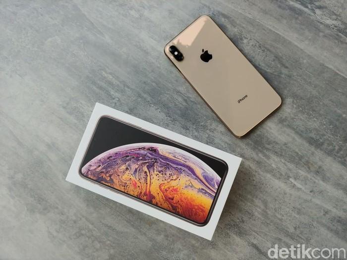 Jika mau ke Singapura untuk beli iPhone XS Max, ada baiknya kamu hitung-hitungan dulu pajaknya (Foto: detikINET/Adi Fida Rahman)