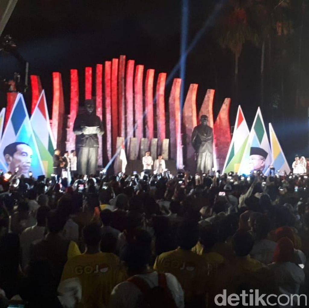 Relawan Susul Jokowi-Maruf dari Tugu Proklamasi ke KPU