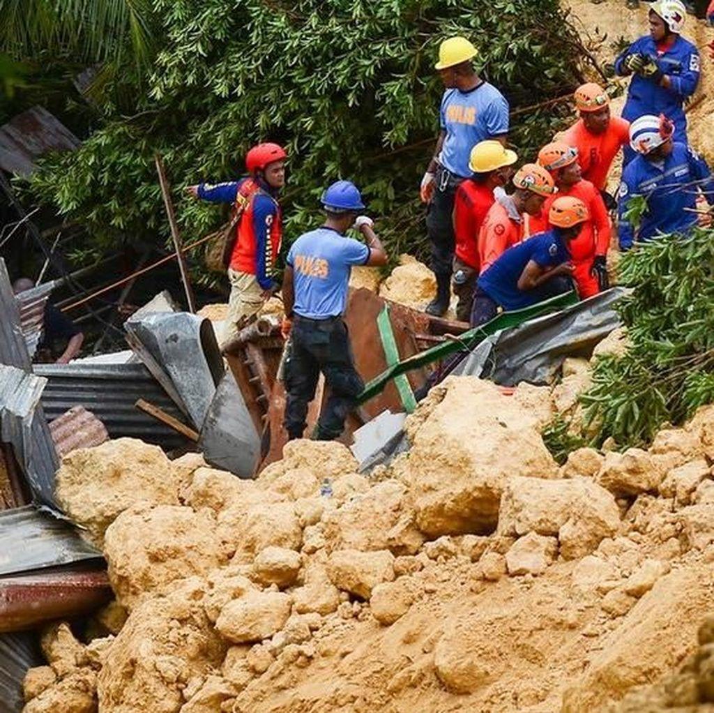 Korban tanah longsor di Filipina mengirim pesan minta tolong dari dalam reruntuhan