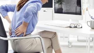 Mau Coba, Bun? 6 Gerakan Yoga yang Bisa Dilakukan di Kantor
