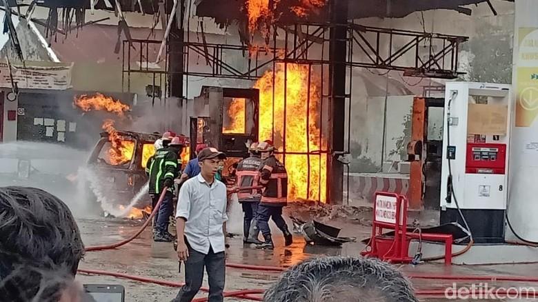 SPBU di Padang Terbakar