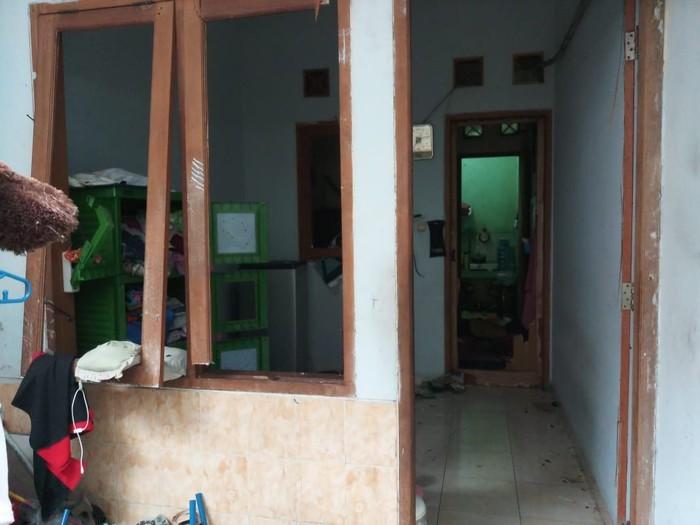 Sebagaian rumah korban mengalami kerusakan akibat ledakan (Foto: Dok. Polsek Tanjung Priok)