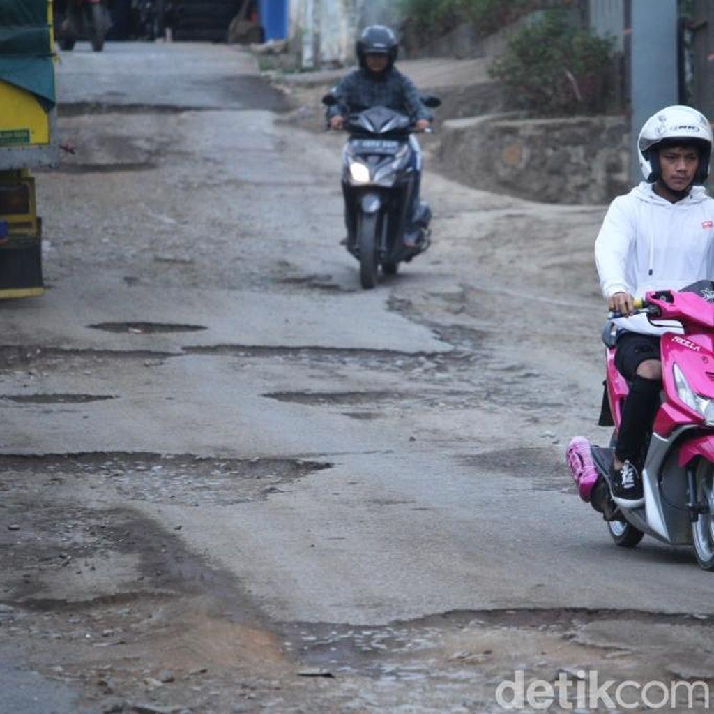 Jalan Arjasari Kabupaten Bandung Rusak, Kerap Telan Korban