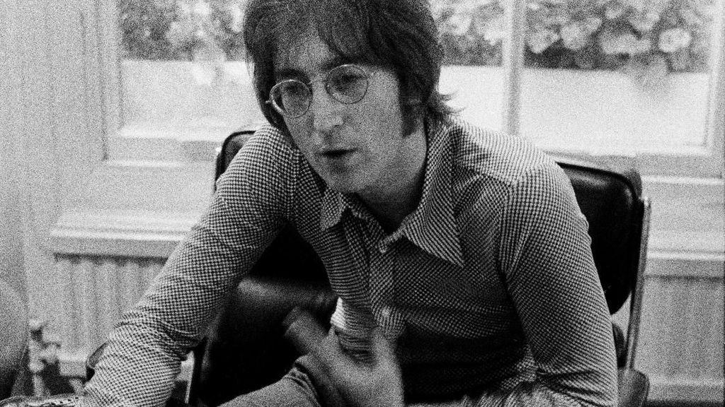 Freddie Mercury Ternyata Terbebani Sosok John Lennon