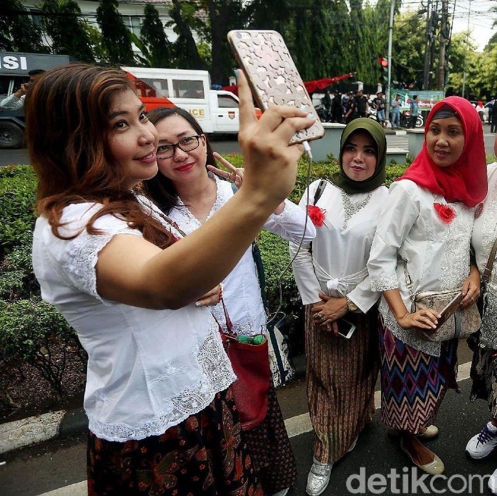 Relawan Pro Jokowi Sambangi KPU